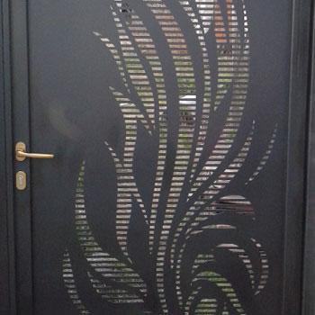 метални врати; врати от ковано желязо