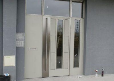 Врати за входове (47)