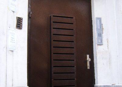Врати за входове (71)