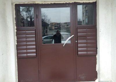 Входни врати (42)