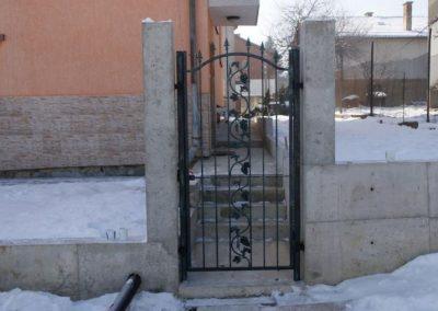 Дворни врати (140)