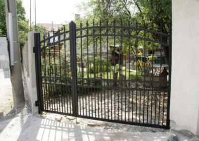 Дворни врати (122)