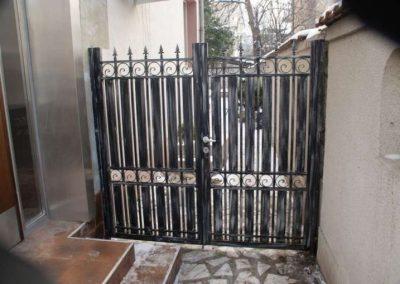 Дворни врати (116)