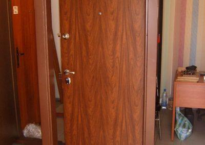 Метални врати за апартаменти (10)