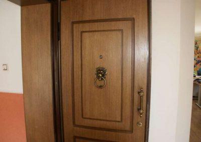 Метални врати за апартаменти (7)